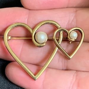 Entwined Hearts Brooch Pin With Faux Pearl Accents